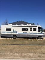 Winnebago Adventurer 34' Class A