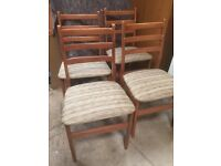 Set Of 4 Vintage Dinning Room Chairs