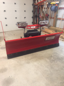 7.5' Western HTS Snow Plow.   Like New.  Great Price.