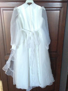 First Communion or Flower Girl Dress w/Floral Crown - Like New! London Ontario image 9