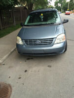 2005 Ford Freestar Familiale 1500 tu part avec