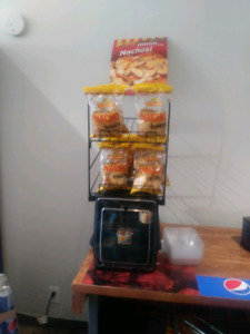 El nacho Grande Chessewarmer and chip rack