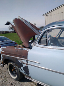 1953 pontiac  chieftain selling motor and tranny only not car