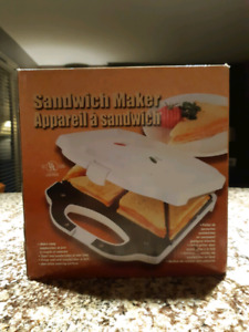 Sandwich maker NEW IN BOX