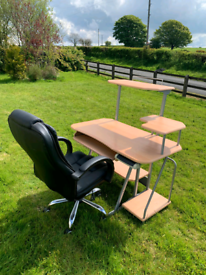 Desk and really good swivel chair £95