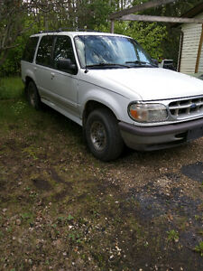 PRICE REDUCED 1998 Ford Explorer