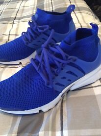 Nike air flyknit presto size uk 9 great condition