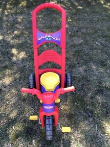 FISHER-PRICE ROCK ROLL&RIDE TRIKE XL