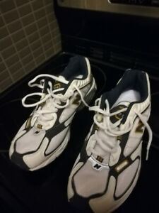 New Balance size 10 running shoes