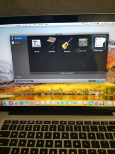 """Macbook pro 13"""" 1TB high Sierra photoshop + charger"""