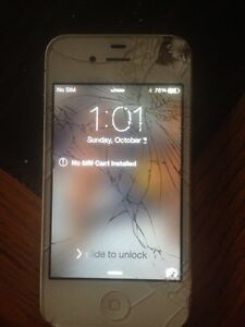 iPhone 4s  cracked screen