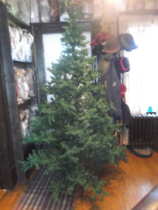 For Sale:6ft artifical Christmas tree