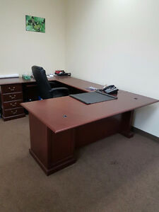 Executive Desk Buy Or Sell Desks In Toronto GTA Kijiji Classifieds