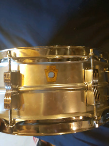 Early 1960's pre-serial Ludwig Acrolite 5 x 14 snare drum