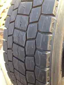 Set Of 2 Bridgeston Summer tires 225/70/19.5 Call; (514)777-6421