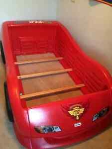 Lightning McQueen Car Bed Oakville / Halton Region Toronto (GTA) image 3
