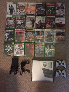 Xbox 360S Halo Reach Limited  250GB + 2 manettes + 23 jeux !!!