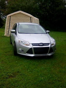 2012 ford focus se hatch