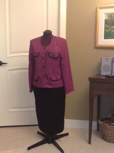 Fushia  & black  checker  pattern Jacket and skirt or pant.