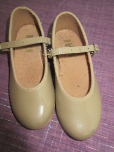 Taupe Bloch Mary Jane Leather Tap shoes Size 10 M