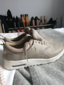 Camel colored Nike thea in size 5