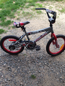 Boy bike great for age 7 to 9 yr old