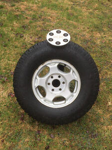 """4-  MINT.   16"""" stock 2004 Chevy 4x4 rims and tires"""