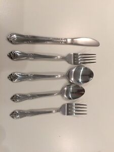 Set of 8 stainless cutlery