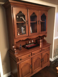 VILAS MAPLE CHINA CABINET