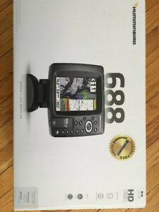 Hummingbird 688 Fish Finder - New