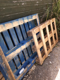 2 free pallets