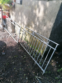 Driveway gates. Galvanised. Delivery possible. Entrance garden yard.