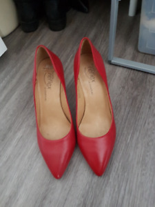 Size 8 Red Lechateau SHOES