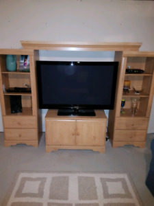 Entertainment Unit with Coffee Table