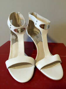 Michael Kors White Sandals size 9.5 like new