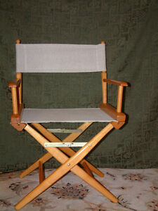 MAPLE FRAME DIRECTOR'S CHAIR