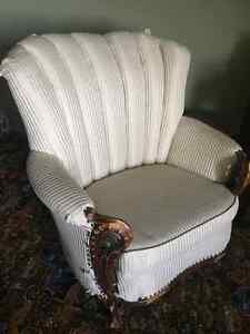 Buy or sell chairs recliners in saskatoon furniture for Sectional sofas kijiji saskatoon