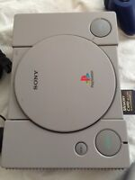 PlayStation 1 complet 2 manettes +2 jeux 30$ wow