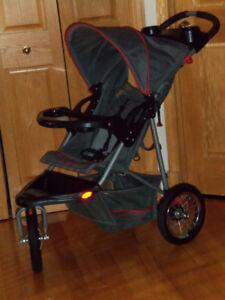 Poussette 3 roues baby trend (Compatible avec siège baby trend)