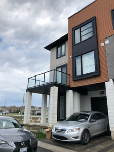 1 bedroom Available June 1st to end of September