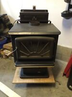 Pacific Energy Super 27 Woodstove with Pedestal and Blower