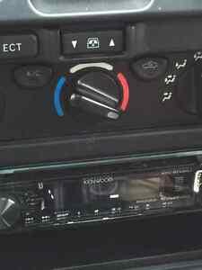 2001 Toyota 4Runner SR5 SUV, Crossover Regina Regina Area image 6
