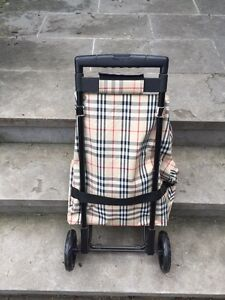 Grocery / Shopping Trolley Burberry Pattern West Island Greater Montréal image 2