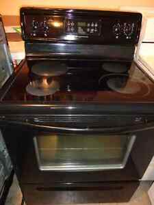 Frigidaire Glass Stove in Excellent Condition