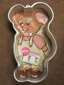 "WILTON ""Little Mouse"" CAKE PAN"