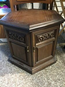 End table in leduc