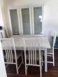 Dining Room Table, Chairs, Buffet and Hutch