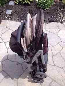 Peg Perego Aria MT Lightweight Stroller Excellent Condition Kitchener / Waterloo Kitchener Area image 4