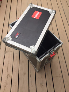 Road Cases: Gator 6U and Clydesdale