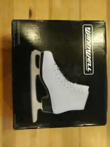 WinnWell girl figure skates (Youth size 1, great condition)